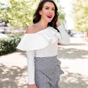 Luxe Stylekeepers ruffle one shoulder white top